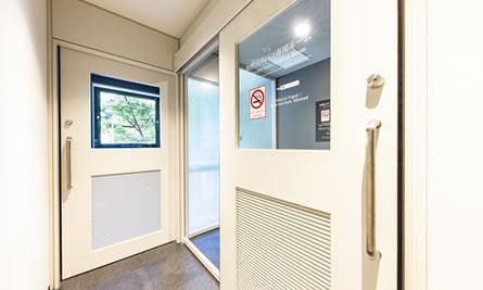 2階 喫煙スペース