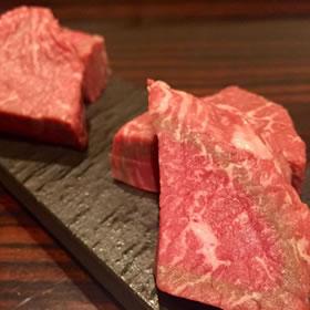 お相撲さんと最高級焼き肉ツアー