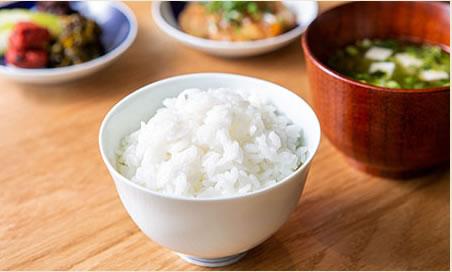 特Aランクの地元米食べ比べには、多彩なごはんのお供を添えて。
