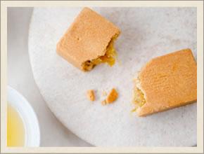 「サニーヒルズ南青山店」のパイナップルケーキ
