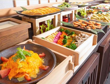 旬の食材と、伝統の食材。旅に美味しいひとときを。